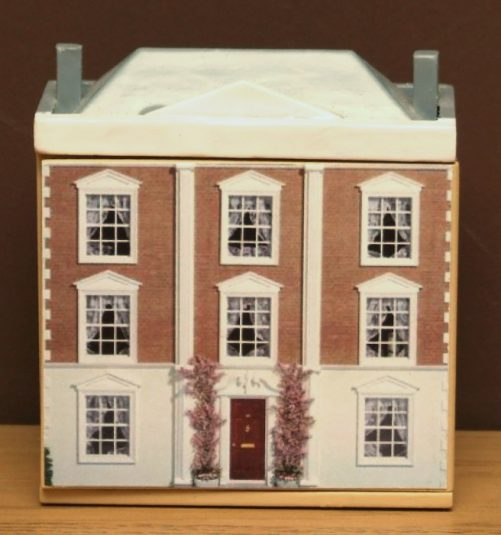 Miniature dolls house