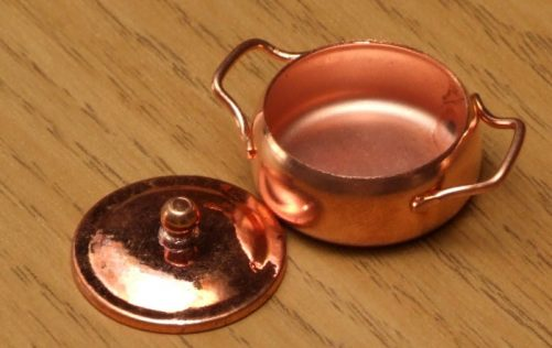 Dolls house cooking pot with lid