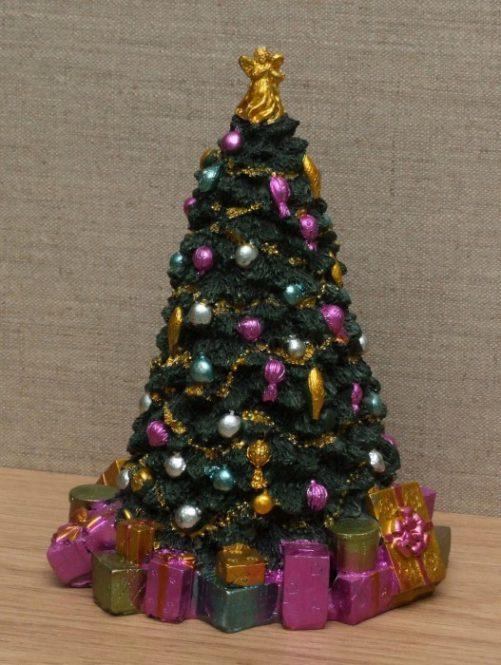 Dolls house resin Christmas tree